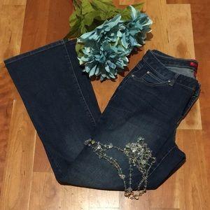Jennifer Lopez Curvy Bootcut Denim Pants 6 Short
